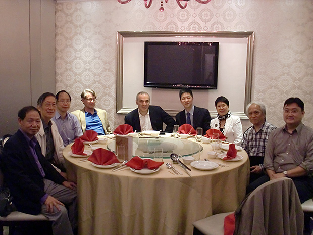 GK with Leong and board members of the Hong Kong Chess Federation, Chan Ping-Yuen, Secretary Luk Luen-Wah, Vice President Prof Harold Corke, President Jackson Li, Ms Ho Yinping, Delegate KK Chan and Mingo Lam.