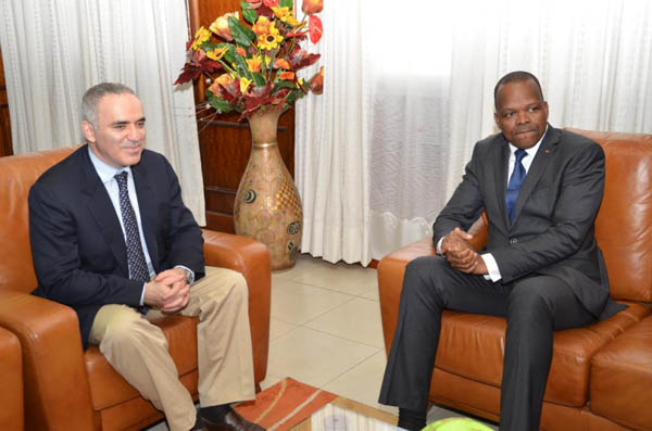 The Minister of Sports Alain Lobognon received Garry Kasparov, Larbi Houari, Eissis Essoh and Charles LORNG at his cabinet.