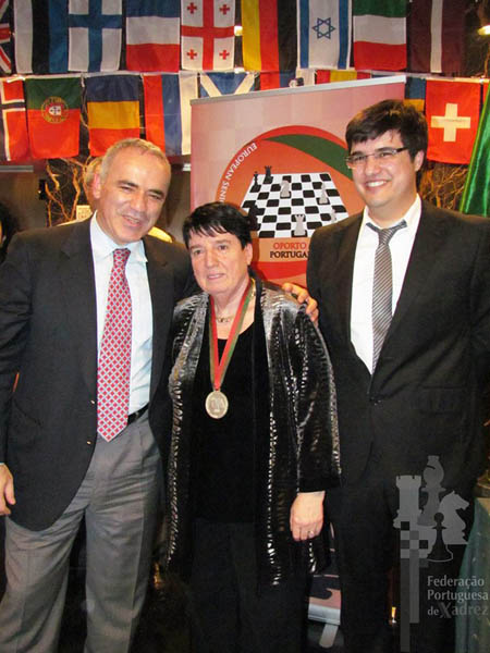 Garry with Francisco Castro and another legend, former women's world champion Nona Gaprindashvili of Georgia.