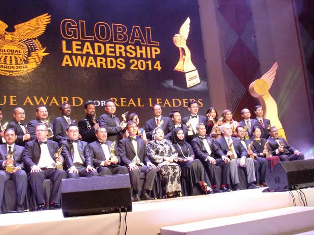 Group Photo of Global Leadership Awards Winners 2014