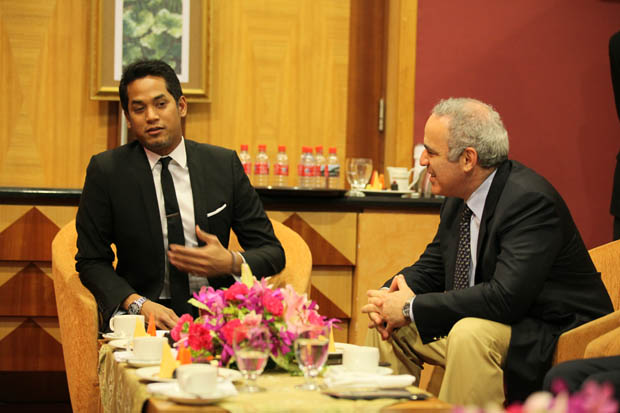Khairy Jamaluddin, Minister for Youth and Sport with Garry